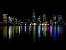 Perth por noche Imagenes de archivo