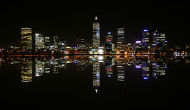 Perth. The Skyline of Perth Westaustralien at night Stock Photos