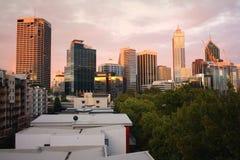 Perth sopra i tetti fotografia stock libera da diritti