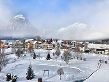 Pertisau-Dorf in den Alpen in Tirol, Österreich Stockbild