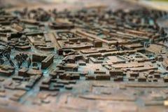Perto acima: Mapa de ruas velho tridimensional fotografia de stock