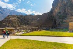 Peru arqueológico da vista panorâmica do local de Ollataytambo fotografia de stock