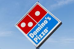 Peru - Circa Mei 2018: Restaurant het Om mee te nemen van de domino` s Pizza De domino's is één van de hoogste vijf bedrijven in  Royalty-vrije Stock Foto's