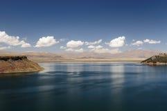 Peru-Landschaft, schöner Umayo See nahe Puno Lizenzfreie Stockfotografie
