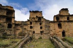 Peru, Piruro pre Colombiaan ruïneert dichtbij Tantamayo Stock Fotografie