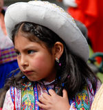 Peruanisches Kind in der nationalen Kleidung - Arequipa, Peru Stockfotografie