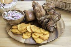 Peruansk mat, Chicharones gjorde med griskött arkivbilder