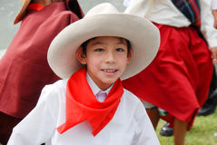 Peruanskt barn i nationell dress - Arequipa, Peru Arkivbild
