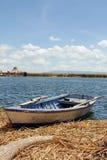 Peruanskt fartyg på sjön Titicaca i Peru, Sydamerika Royaltyfri Foto