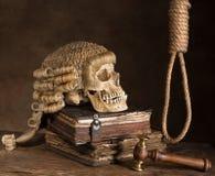 Peruca da soga e do juiz Fotos de Stock