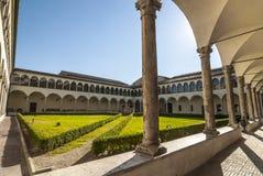 Perugia - iglesia gótica, claustro Imagen de archivo libre de regalías