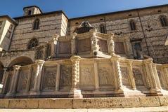 Perugia - fuente monumental imágenes de archivo libres de regalías