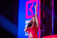 Peruquois Australijski piosenkarz wykonuje przy synergiego Globalnym forum Zdjęcie Stock