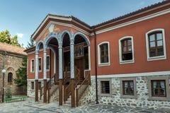 PERUSHTITSA, BULGARIEN - 4. SEPTEMBER 2016: Das Gebäude von Danov-Schule vom 19. Jahrhundert, Perushtitsa, Bulgari Lizenzfreies Stockbild