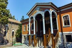 PERUSHTITSA, BULGARIEN - 4. SEPTEMBER 2016: Das Gebäude von Danov-Schule vom 19. Jahrhundert, Perushtitsa, Plowdiw-Region Stockfoto