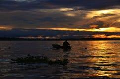 Peruviaanse de Rivierzonsopgang van Amazonië Royalty-vrije Stock Foto