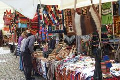 Peruviaanse kleurrijke openluchtmarkt, Peru cuzco Ollantaytambo royalty-vrije stock fotografie