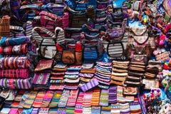 Peruwiańscy ubrania i torby obraz stock