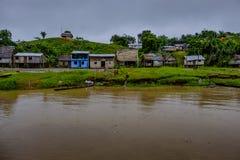 Peruwiańska tropikalny las deszczowy wioska Obrazy Stock