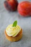 Perzik cupcake Royalty-vrije Stock Fotografie