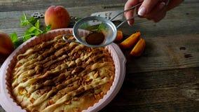 Perzik eigengemaakte pastei stock videobeelden