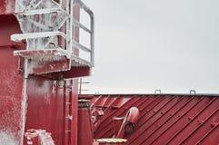 Pesado da embarcação coberto com o gelo Imagens de Stock Royalty Free