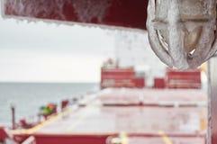 Pesado da embarcação coberto com o gelo Fotos de Stock Royalty Free