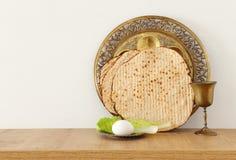 Pesah świętowania pojęcie & x28; żydowski Passover holiday& x29; nad drewnianym stołem fotografia royalty free