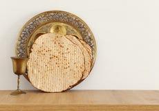 Pesah świętowania pojęcie & x28; żydowski Passover holiday& x29; nad drewnianym stołem zdjęcie stock