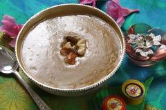 Pesara pappupayasam, Moong dal kheer, delar pudding för det gröna grammet arkivbild