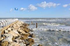 Pesaro Adriatic seglar utmed kusten Royaltyfri Fotografi
