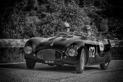 PESARO COLLE ΣΑΝ ΜΠΑΡΤΌΛΟ, ΙΤΑΛΊΑ - 17 ΜΑΐΟΥ - 2018: CISITALIA 202 S παλαιό αγωνιστικό αυτοκίνητο ΚΚ SPIDER 1947 στη συνάθροιση M Στοκ Εικόνες