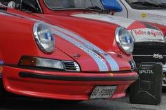 PESARO, ITALIE - OTT 13 - 2018 : Porsche dans la VOITURE RÉSERVÉE de CRU d'AUTOMOBILE de RACE de PREMIÈRE ÉDITION images libres de droits