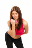 Pesas de gimnasia del entrenamiento del instructor de la mujer de la aptitud en gimnasia Imagen de archivo libre de regalías