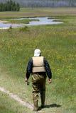 pesca andante dell'uomo fotografia stock