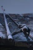 Pesca-asta su un pilastro fotografie stock libere da diritti