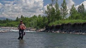 Pesca con la mosca 4 stock footage