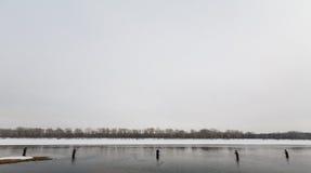 Pesca con mosca en el invierno Fotos de archivo
