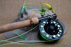 Pesca con mosca para el bajo foto de archivo