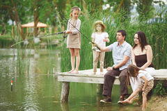 Pesca da família imagem de stock royalty free