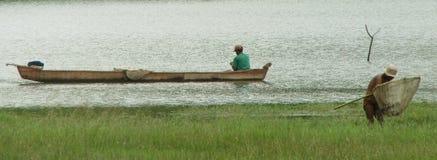 Pesca de dois homens Fotos de Stock Royalty Free