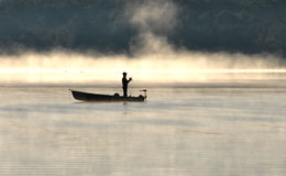 Pesca de la mañana Fotos de archivo libres de regalías