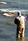 Pesca de la trucha   imagen de archivo