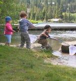 Pesca dei bambini Immagine Stock