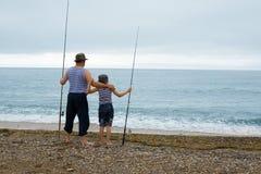 Pesca del abuelo y del nieto Fotografía de archivo