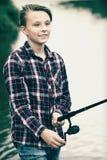Pesca del adolescente Fotos de archivo libres de regalías