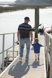 Pesca del padre y del hijo Imágenes de archivo libres de regalías