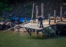 Pesca della reticella a mano sul fiume Columbia Fotografia Stock Libera da Diritti