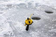 Pesca di inverno immagini stock libere da diritti