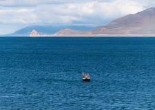 Pesca di inverno del lago pyramid Fotografie Stock Libere da Diritti